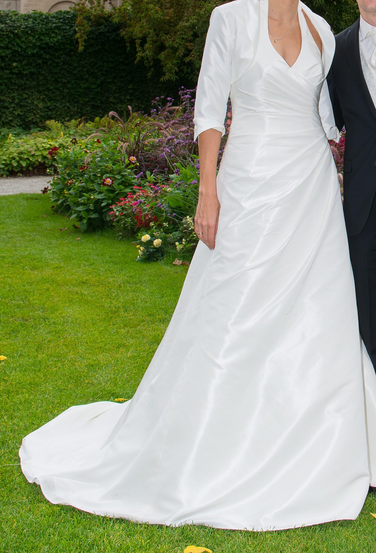 wunderschönes Brautkleid in Überlänge zu verkaufen - PLZ 5xxxx ...